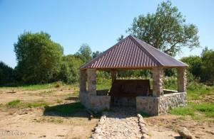источник у деревни Дедино