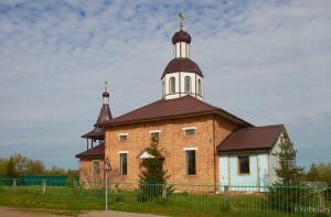 церковь в деревне Бобр