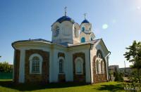 Красное церковь
