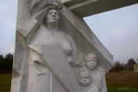памятник в Озерцах