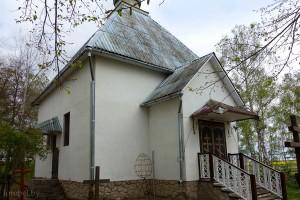 церковь в деревне Остров